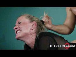 Image Reife Deutsche, die süchtig nach jungen Schwänzen sind
