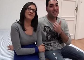 Image Das spanische Paar beschließt, zum ersten Mal gemeinsam Pornos zu drehen
