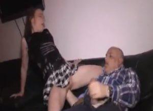 Imagen Er fistet seine Frau, weil er nicht genug mit seinem Schwanz hat