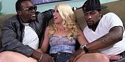 Image Kristen Jordan gegen zwei heiße schwarze Männer
